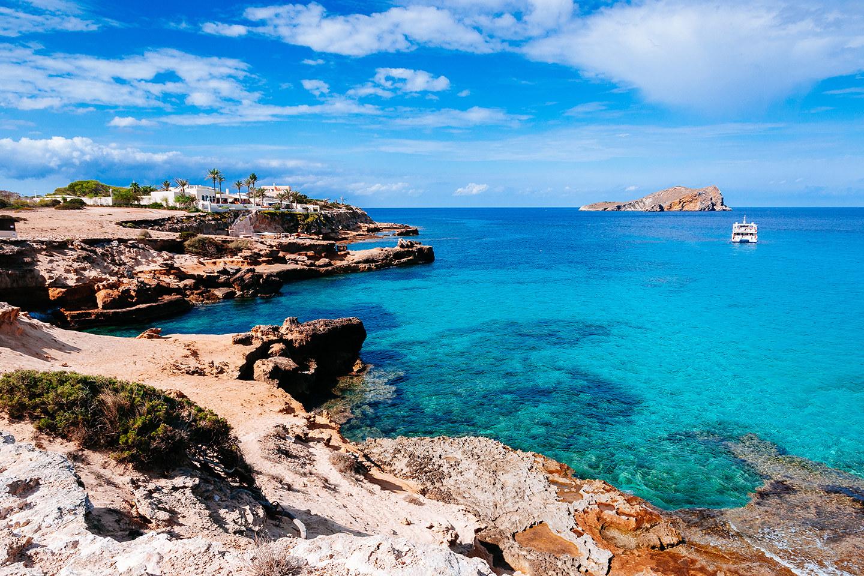 ibiza-off-season-comte-beach