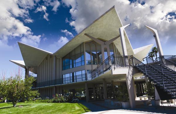 Hope_International_University_Googie_Architecture