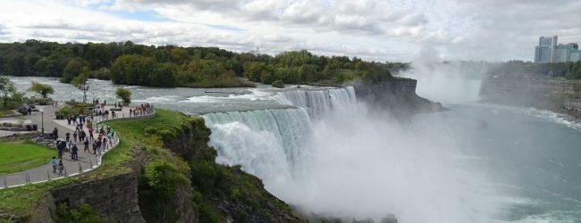 Four Reasons to Visit Niagara Falls this Summer